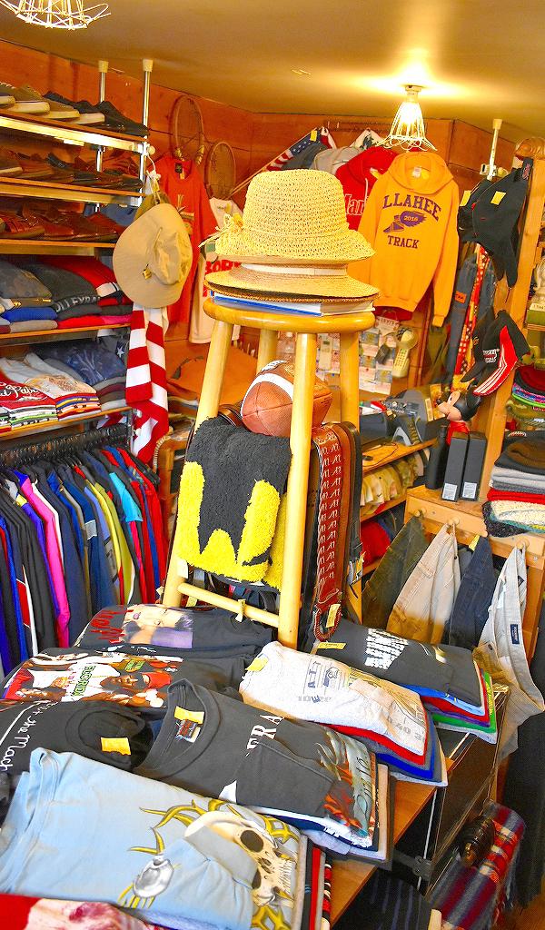 古着屋カチカチ店内画像2019令和@Used Clothing Shop in Tokyo Japan