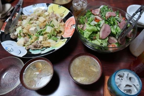 フーチャンプルー、春菊と合鴨燻製のサラダ、ラーメン汁