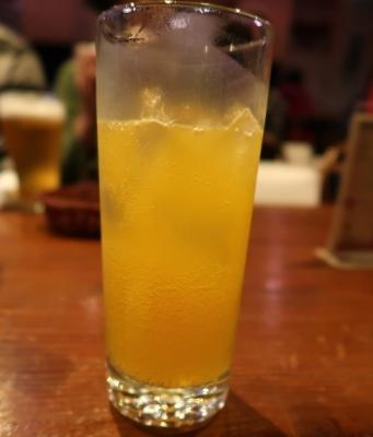 マンゴー梅酒ソーダ割り