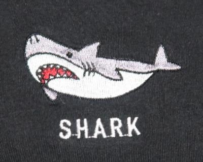 サメTシャツ