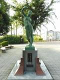 JR(北)船岡駅 永遠の女性