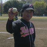 4回表、伊藤幸が1号ソロを放ち1点差に迫る