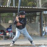 3回表、相澤が安打で出塁