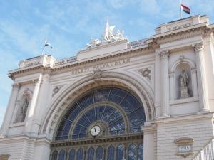 ハンガリー駅全景