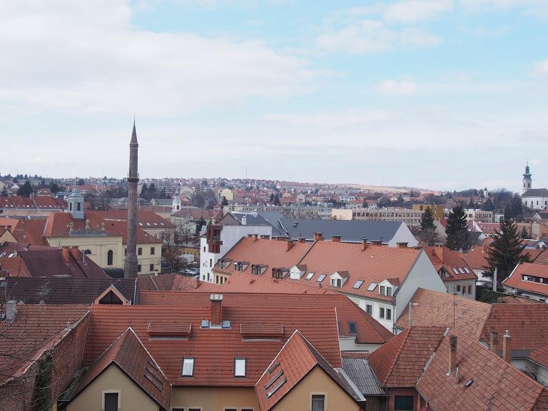 エゲルの町全景
