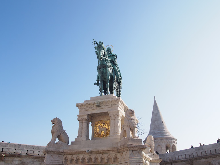 聖イシュトバーン像
