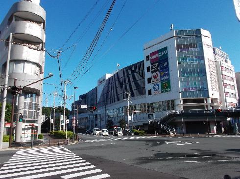 早朝の戸塚駅