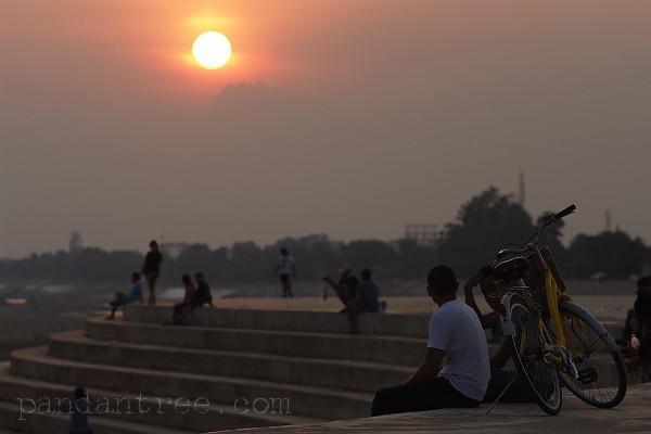 メコン川の夕日1