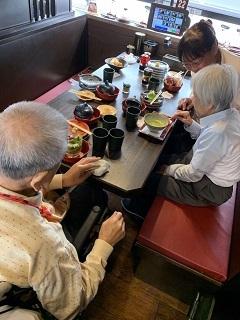 くら寿司に行きました