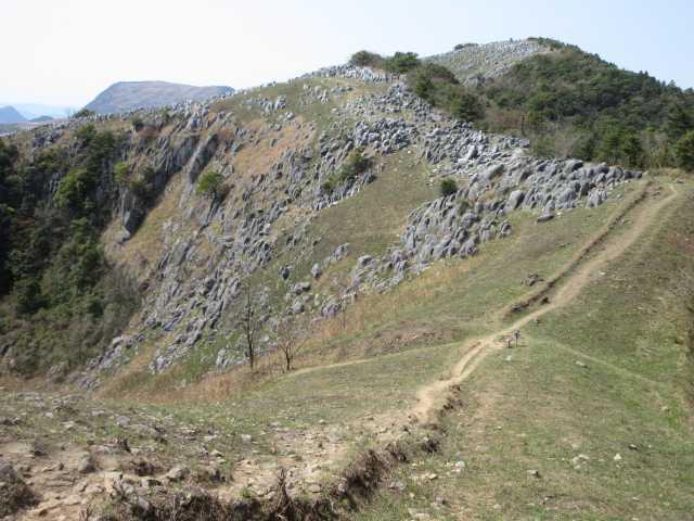 IMG0049JPG小穴と大平山
