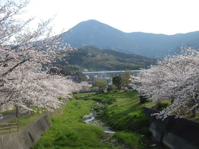 IMG0018JPG貫川と貫山