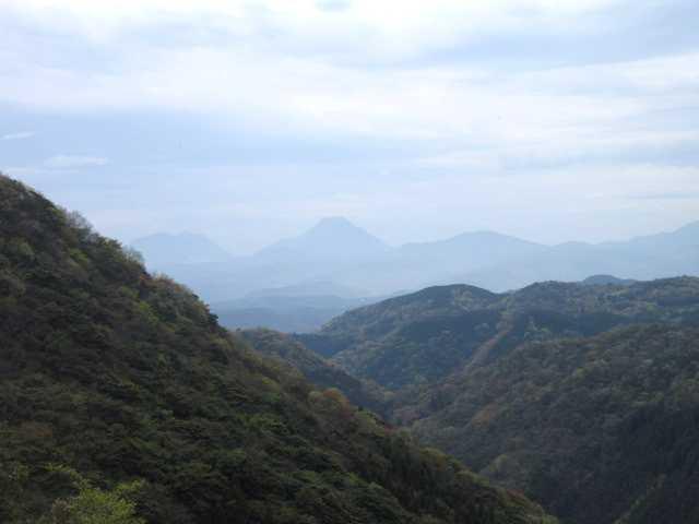 IMG0017JPG展望の良い箇所由布岳鶴見岳
