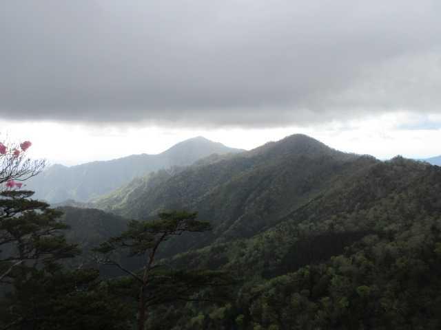 IMG0056JPG雨雲と木山内岳