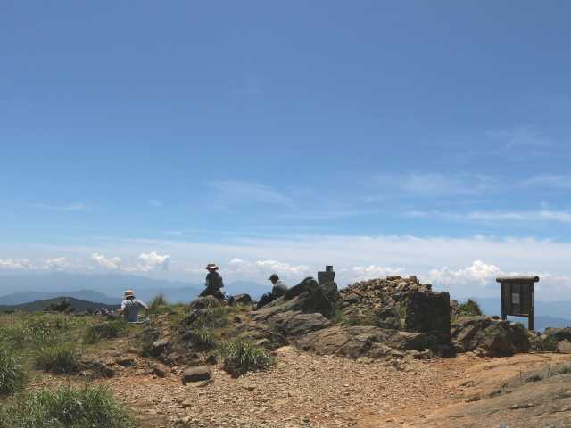 IMG1898JPG山頂風景