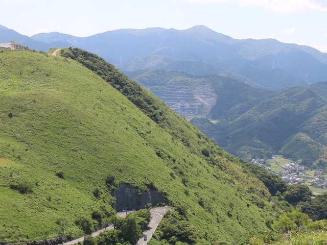 IMG0042JPG吹上峠と福智山遠望