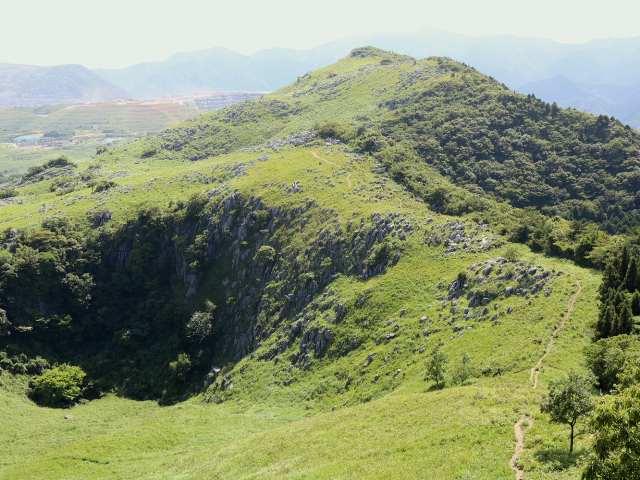 IMG0075JPG小穴と大平山