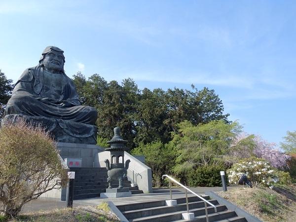 190418シャクナゲの寺05