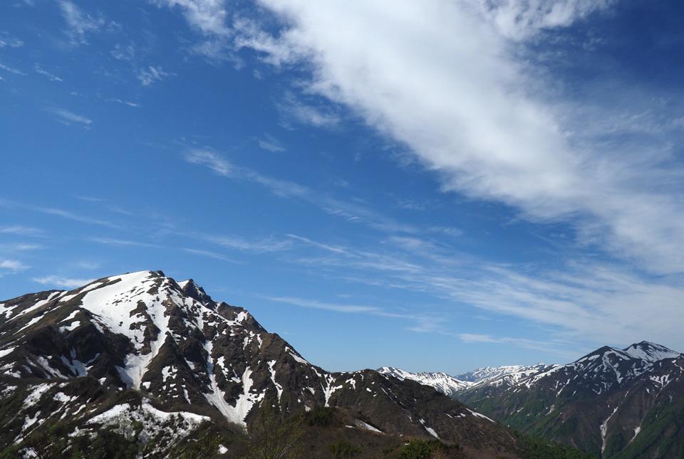 9028 天神峠からの谷川岳 960×645