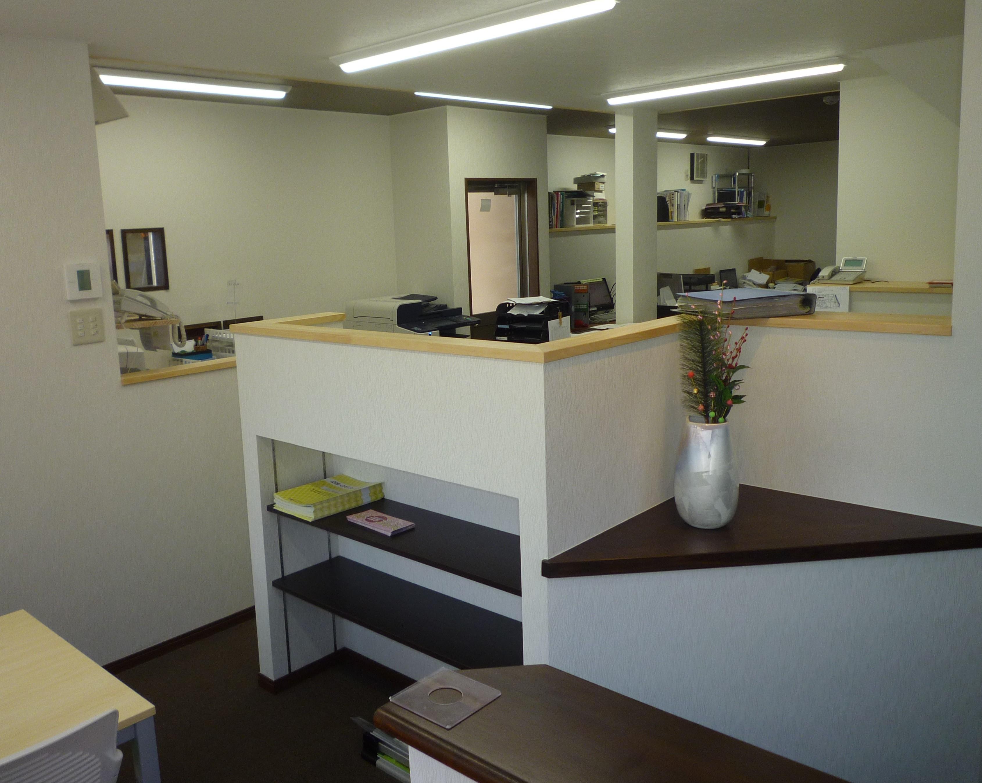 askai玄関から見た営業部