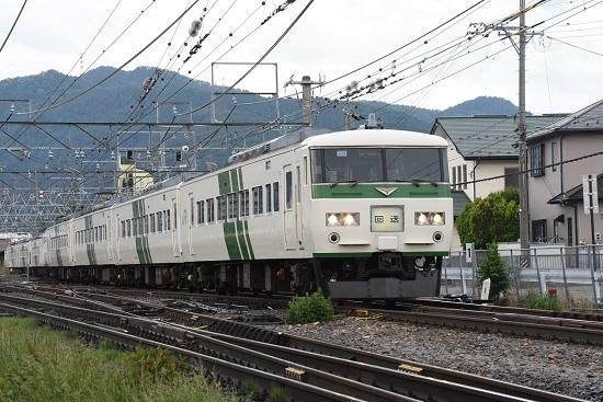 回9558M 185系団臨回送 塩尻駅発車