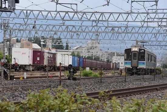 158M 辰野線E127系と東線貨物2083レ