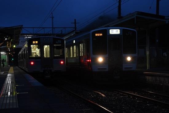 回9121M 211系と166M E127系との交換