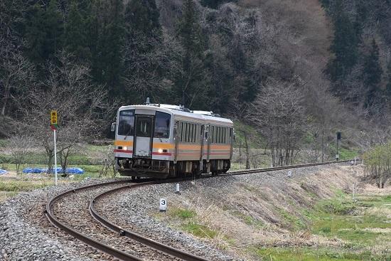 427D キハ120-2両