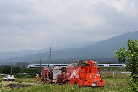 9M あずさ9号と消防車