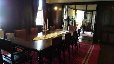 外交官の家室内