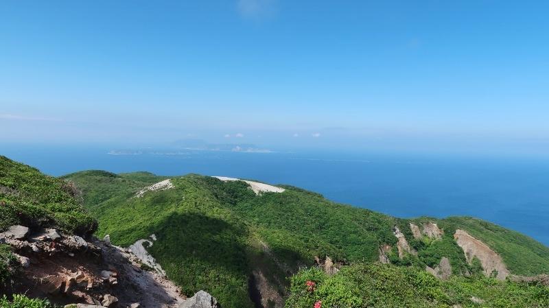 新東京百景より式根島新島 (800x449)