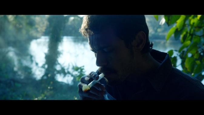hf-James Franco smoke