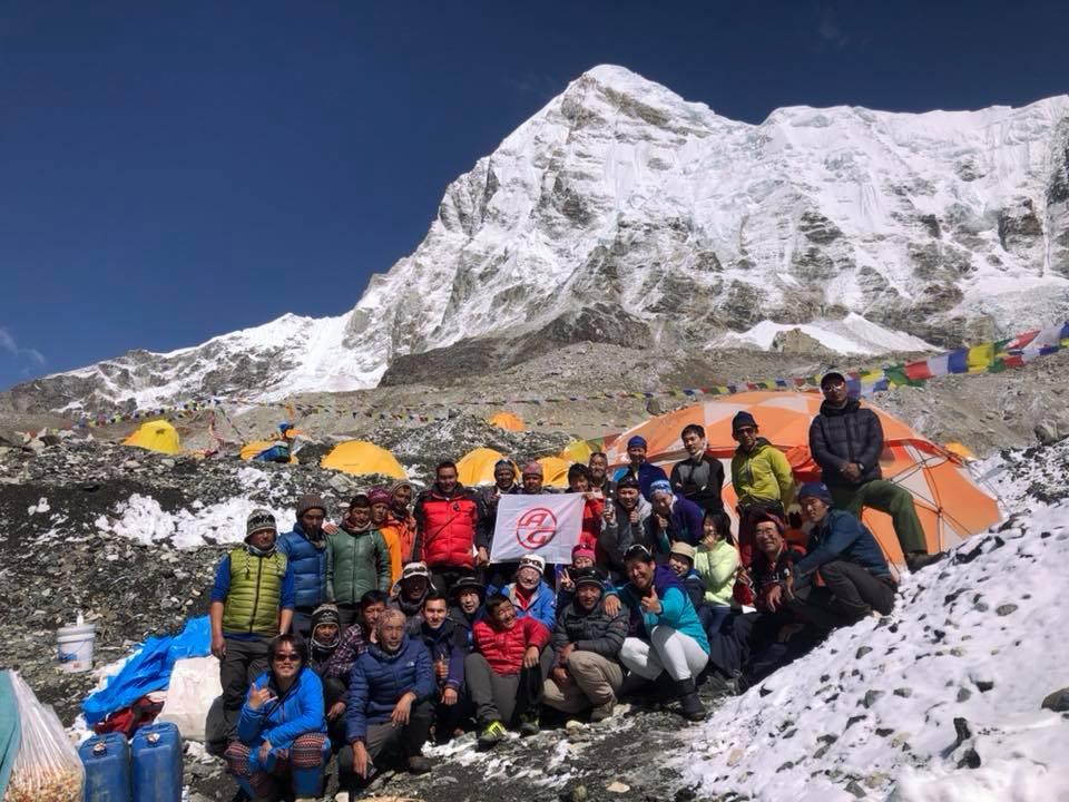 エベレストBC集合写真