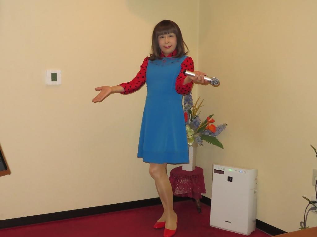 青ワンピ赤ドットブラウスカラオケA(5)