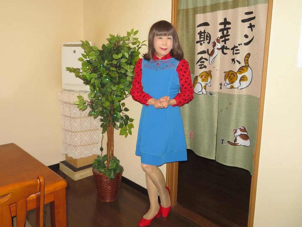青ワンピ赤ドットブラウスカラオケB(8)
