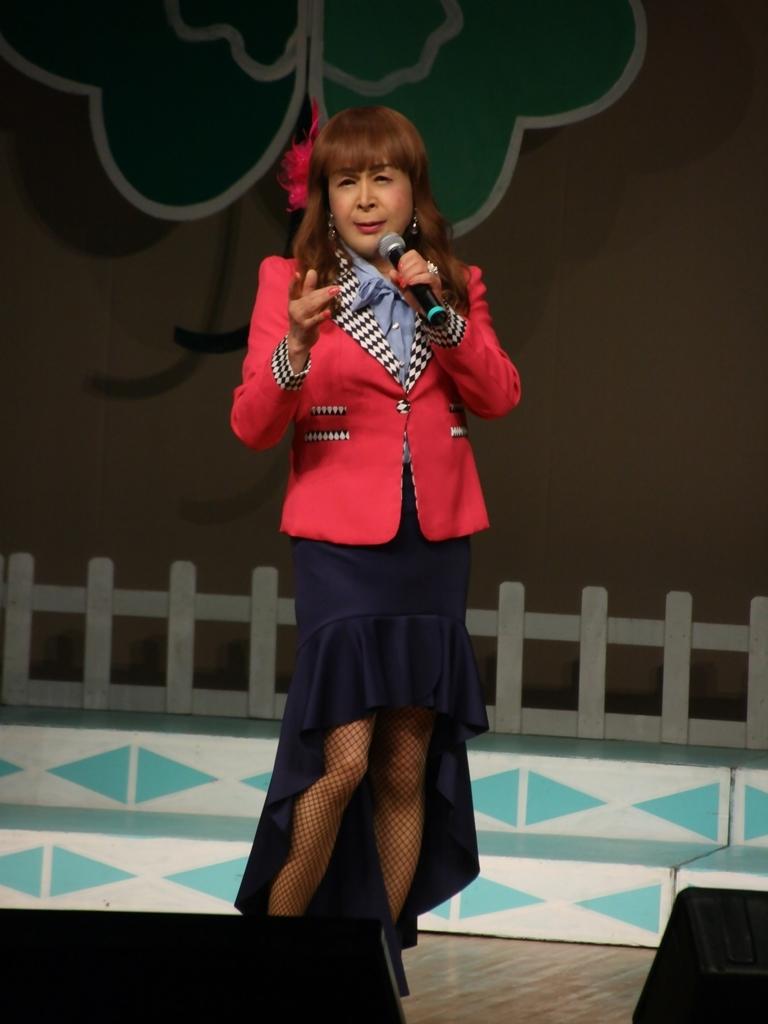 ピンクジャケット舞台Y撮影縦(1)
