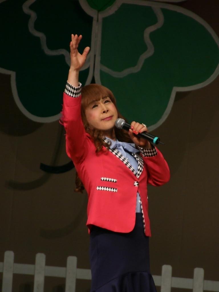 ピンクジャケット舞台Y撮影縦(8)