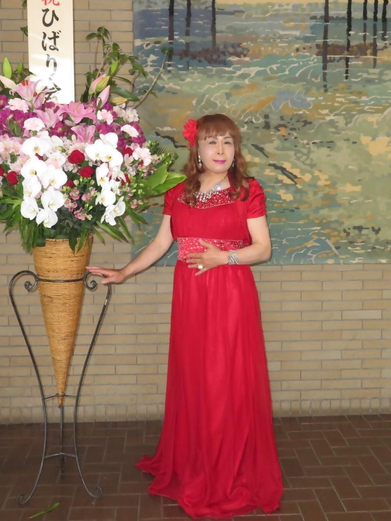 赤ドレス舞台ロビー(5)