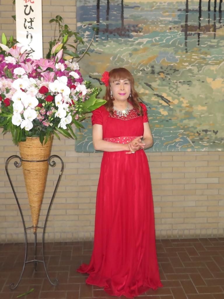 赤ドレス舞台ロビー(6)