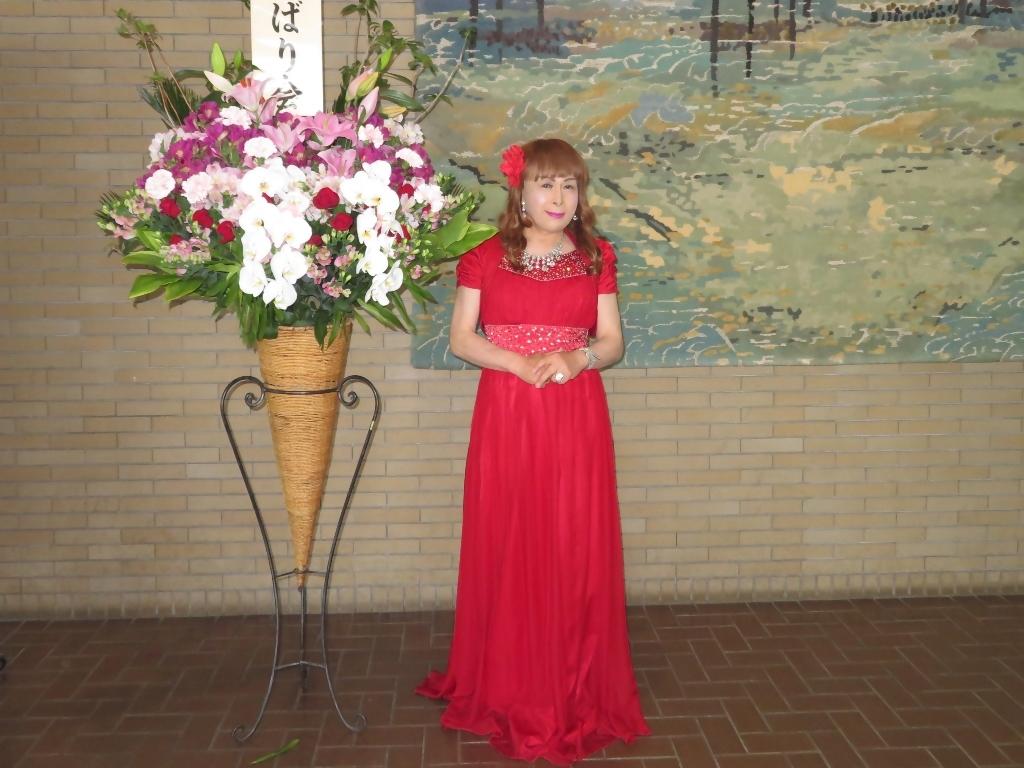 赤ドレス舞台ロビー(7)