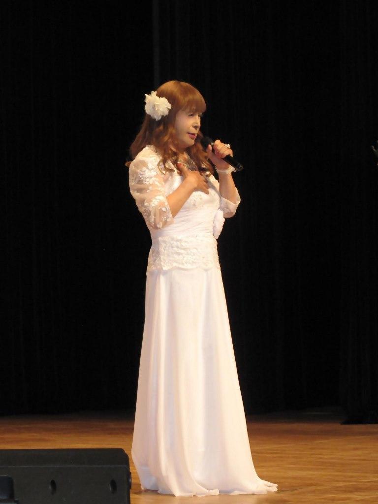 白ロングドレス舞台(2)