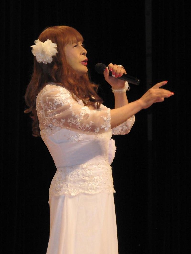 白ロングドレス舞台(3)