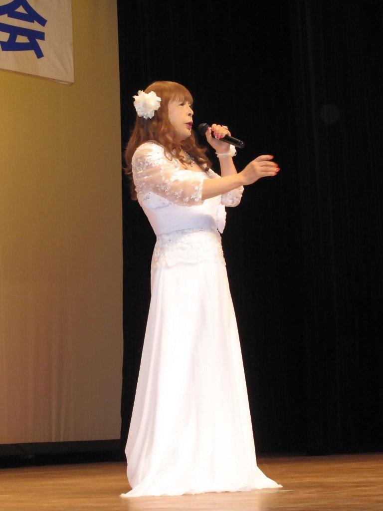 白ロングドレス舞台(6)