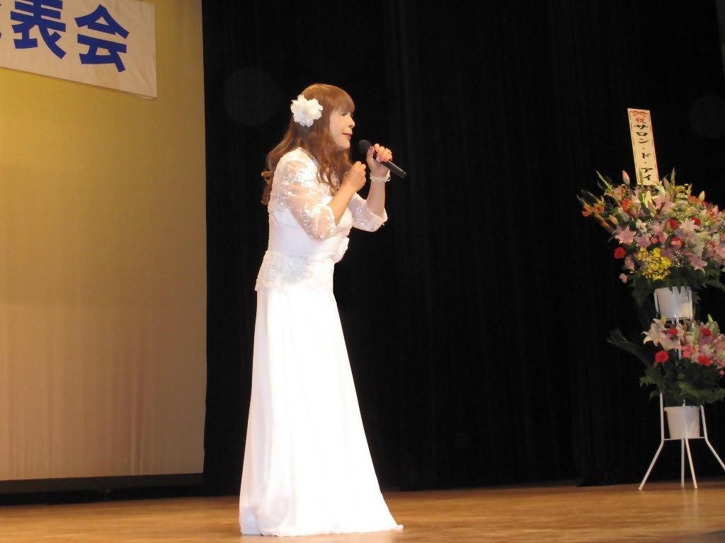 白ロングドレス舞台(10)