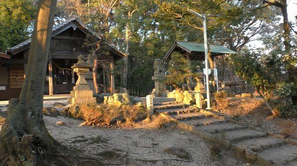 東谷山の神社