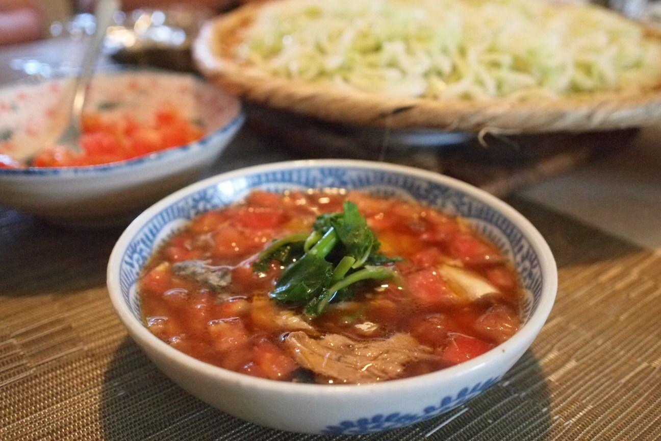 トマトとサバ水煮缶の冷麦!