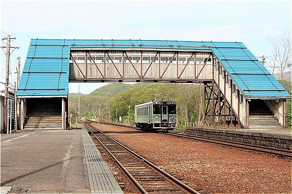 s-⑳蘭島立派な跨線橋