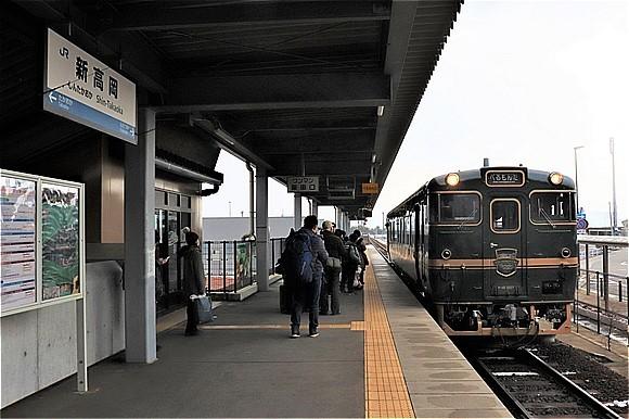 s-①新高岡発車前