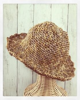写真 松編みの帽子 縦