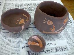 陶芸 そばにロウでがらをつけたもの3点