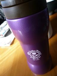韓国で買った紫のボトル(。∂∂。)ポッ
